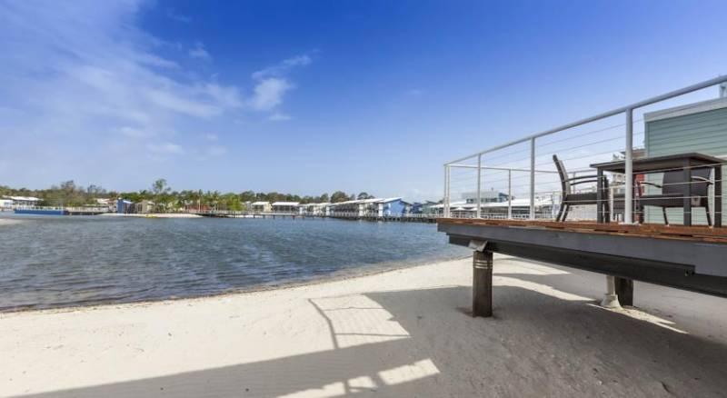 Ramada Couran Cove Island Resort