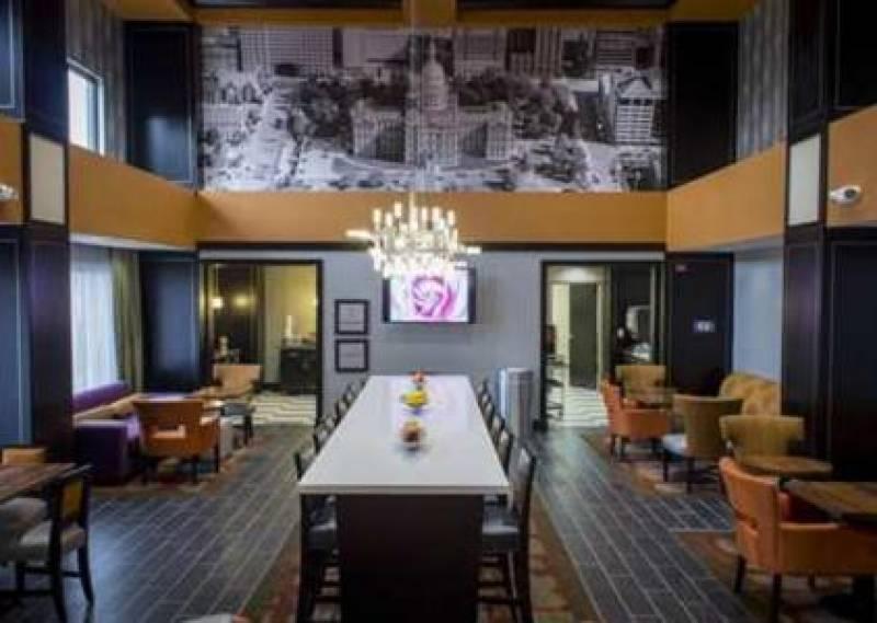 Hampton Inn & Suites Lansing West