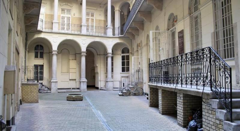Alkotmany street Apartment