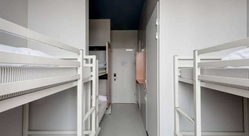 ClinkNOORD - Hostel