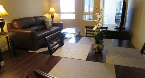 Miracle Mile - Brand New Apartment with Full Amenities