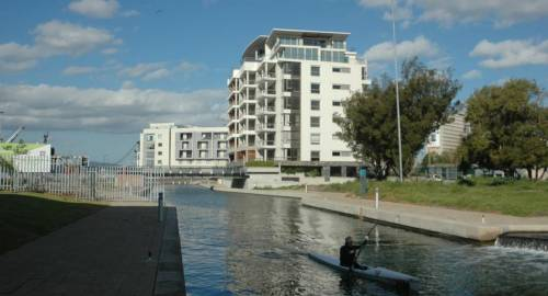 501 Canal Quays